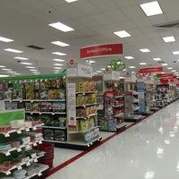 Das Foto wurde bei Target von 🇷🇺🐝Natalia F🐝🇷🇺 am 12/9/2014 aufgenommen