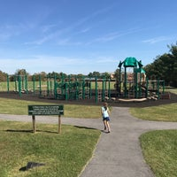 Photo taken at Cypress Street Field Playground by 🇷🇺🐝Natalia F🐝🇷🇺 on 10/21/2017