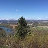 Photo taken at Scenic Overlook by 🇷🇺🐝Natalia F🐝🇷🇺 on 4/23/2016