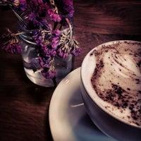 6/3/2014 tarihinde Aslı K.ziyaretçi tarafından 180° Coffee Bakery'de çekilen fotoğraf