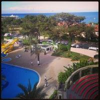 5/10/2013 tarihinde Оксана М.ziyaretçi tarafından Grand Ring Hotel'de çekilen fotoğraf