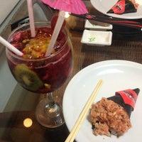 Photo taken at Miyoshi Cozinha Oriental by Bruna C. on 5/31/2013