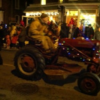 Photo taken at Bloomfield Santa Claus Parade by Perlorian B. on 11/30/2013
