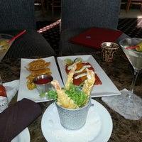 Das Foto wurde bei Wave Seafood Kitchen von Timsie M. am 4/8/2013 aufgenommen