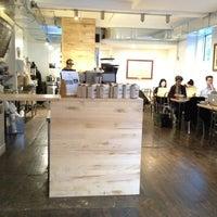 Снимок сделан в Pushcart Coffee пользователем Giulia R. 12/6/2012