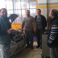 Photo taken at ŞENGÖNÜL OTO SERVİS by Ismail A. on 12/8/2014