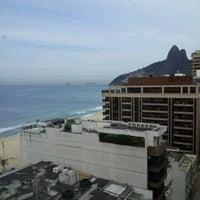 Das Foto wurde bei Everest Rio Hotel von Biasi Estúdio d. am 9/26/2012 aufgenommen