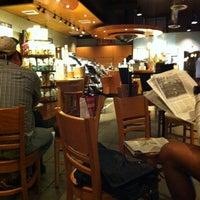 Foto scattata a Starbucks da Tony D. il 5/15/2011