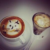 Photo taken at Melisa Cafe & Bistro by Mustafa Ö. on 9/16/2013