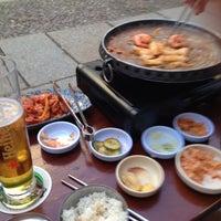 Das Foto wurde bei Juki - Korean BBQ and Soju Bar von Paul H. am 5/27/2014 aufgenommen