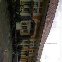 Photo taken at SMP Negeri 7 Bandung by Ratu L. on 7/12/2013