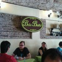 รูปภาพถ่ายที่ Beta Bistrô โดย Fabíola R. เมื่อ 8/28/2013