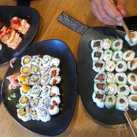 Photo prise au Sushi Shop par Leya le7/4/2013