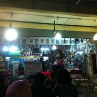 Photo taken at Restoran RZ Klasik by Ferdy B. on 6/5/2013