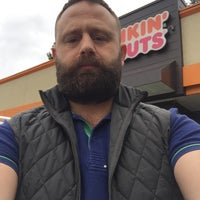 Photo taken at Dunkin' Donuts by Yunus A. on 10/22/2016