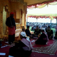 Photo taken at Mesjid Meureuhom Daya™ by yusdi y. on 10/26/2012