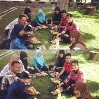 Photo taken at Fakultas Keguruan & Ilmu Pendidikan UR by Sesi P. on 12/17/2013
