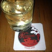 Foto tomada en Riverside Bar & Restaurant por Iamsamsam el 5/18/2013