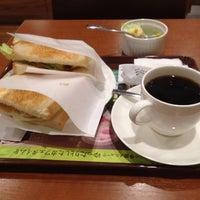 Photo taken at CAFÉ de CRIÉ 道玄坂上店 by Masakuni K. on 5/25/2013