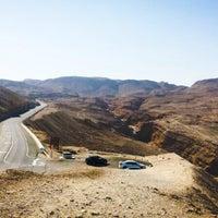 Photo taken at Sdom-Arad Road View Point / תצפית כביש סדום-ערד by Бельчона🌰🌺 on 11/18/2013