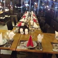 Foto tirada no(a) Steak House & Cadde Cafe por Sinan D. em 10/18/2014