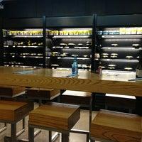 Foto diambil di Teikit Sushi Shop oleh Mr P. pada 8/23/2013