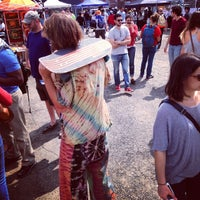 Foto tirada no(a) U Street Flea Market por Michael B. em 5/4/2014