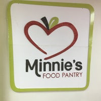 Photo taken at Minnie's Food Pantry by Lonnell W. on 10/10/2016