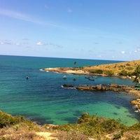 Foto tirada no(a) Praia de Calhetas por Edinaldo T. em 12/27/2012
