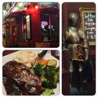 Foto tomada en Sutter Pub & Restaurant por Ivan S. el 9/22/2013