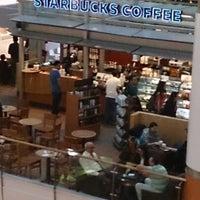 5/3/2013 tarihinde Ramin K.ziyaretçi tarafından Starbucks'de çekilen fotoğraf