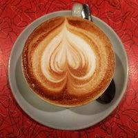 1/16/2013 tarihinde Kevin L.ziyaretçi tarafından Espresso Vivace'de çekilen fotoğraf