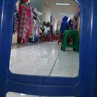 Photo taken at Pusat Grosir Surabaya (PGS) by Kresna D. on 5/13/2013
