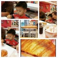 Photo taken at KFC by Czarinah R. on 7/26/2013