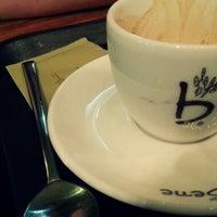 Photo taken at Caffé bene by Hyunjin Y. on 6/30/2013