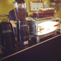 Photo taken at Blackbird Coffee & Vintage by Sebastiaan v. on 9/30/2014