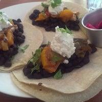 Das Foto wurde bei Burrito Baby von Katie F. am 2/9/2013 aufgenommen