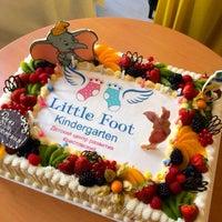 Снимок сделан в Little Foot детский сад пользователем Anna A. 10/13/2013