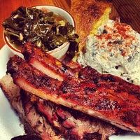 10/13/2012 tarihinde Justin M.ziyaretçi tarafından Podnah's Pit BBQ'de çekilen fotoğraf