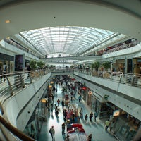 Photo taken at Centro Comercial Vasco da Gama by Miguel A. on 5/12/2013