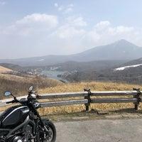 Photo taken at 車山付近 展望台 by ブリブリモンキー on 4/2/2018