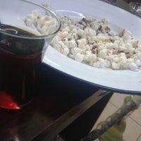 Photo taken at Viral Cafe by Nazif K. on 3/29/2014