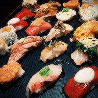 9/25/2014 tarihinde Liubov U.ziyaretçi tarafından Sushi of Gari'de çekilen fotoğraf