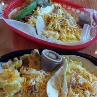 Das Foto wurde bei Torchy's Tacos von Sabrina P. am 8/25/2013 aufgenommen