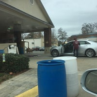 Photo taken at Greenville Car Wash (Simpsonville) by Tom K. on 12/26/2016