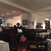 Снимок сделан в Vienna Restaurant пользователем Visit S. 10/5/2015