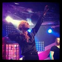 Photo prise au iHeartRadio Theater par Sasha . le10/11/2013