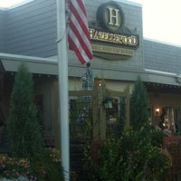 Photo taken at Hazellewood Grill & Tap Room by 🇮🇹P Z. on 9/12/2013