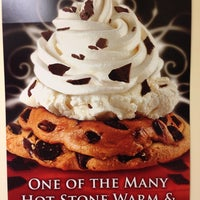 Photo taken at Cold Stone Creamery by Phillip E. on 5/7/2014