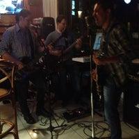 Foto tirada no(a) Mr. Pub por Sergio B. em 8/16/2014